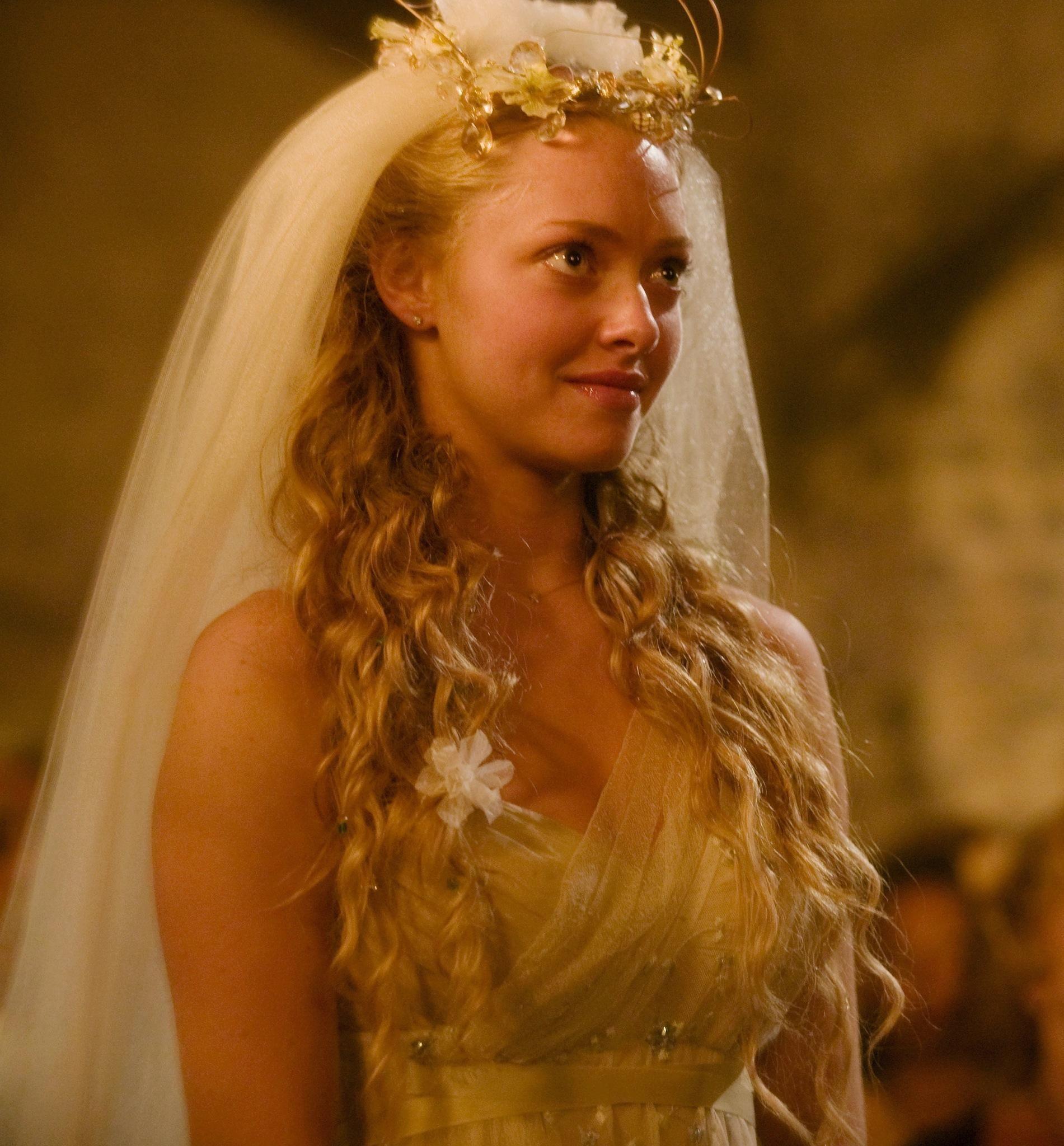 Still of Amanda Seyfried in Mamma Mia! (2008) http://www.movpins.com/dHQwNzk1NDIx/mamma-mia!-(2008)/still-2946805760
