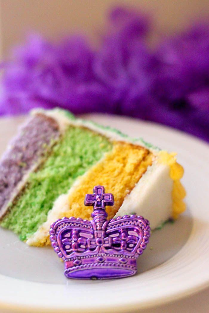 Mardi Gras Louisiana King Cake Ft Bourbon Cream Cheese Frosting Sugar Crumb Coating