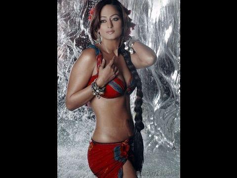 Sonakshi Sinha Very Hot In Youtube Kaveri Jha Indian Girl Bikini Bollywood Wallpaper