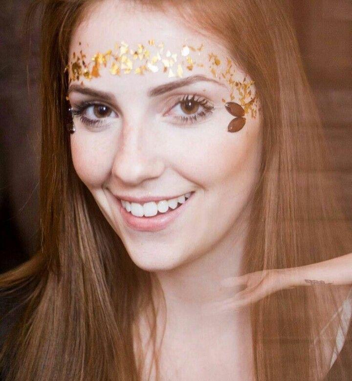 Sardinhas de Glitter  Festival makeup, festival fashion, makeup, glitter, festiv... - Fashion...