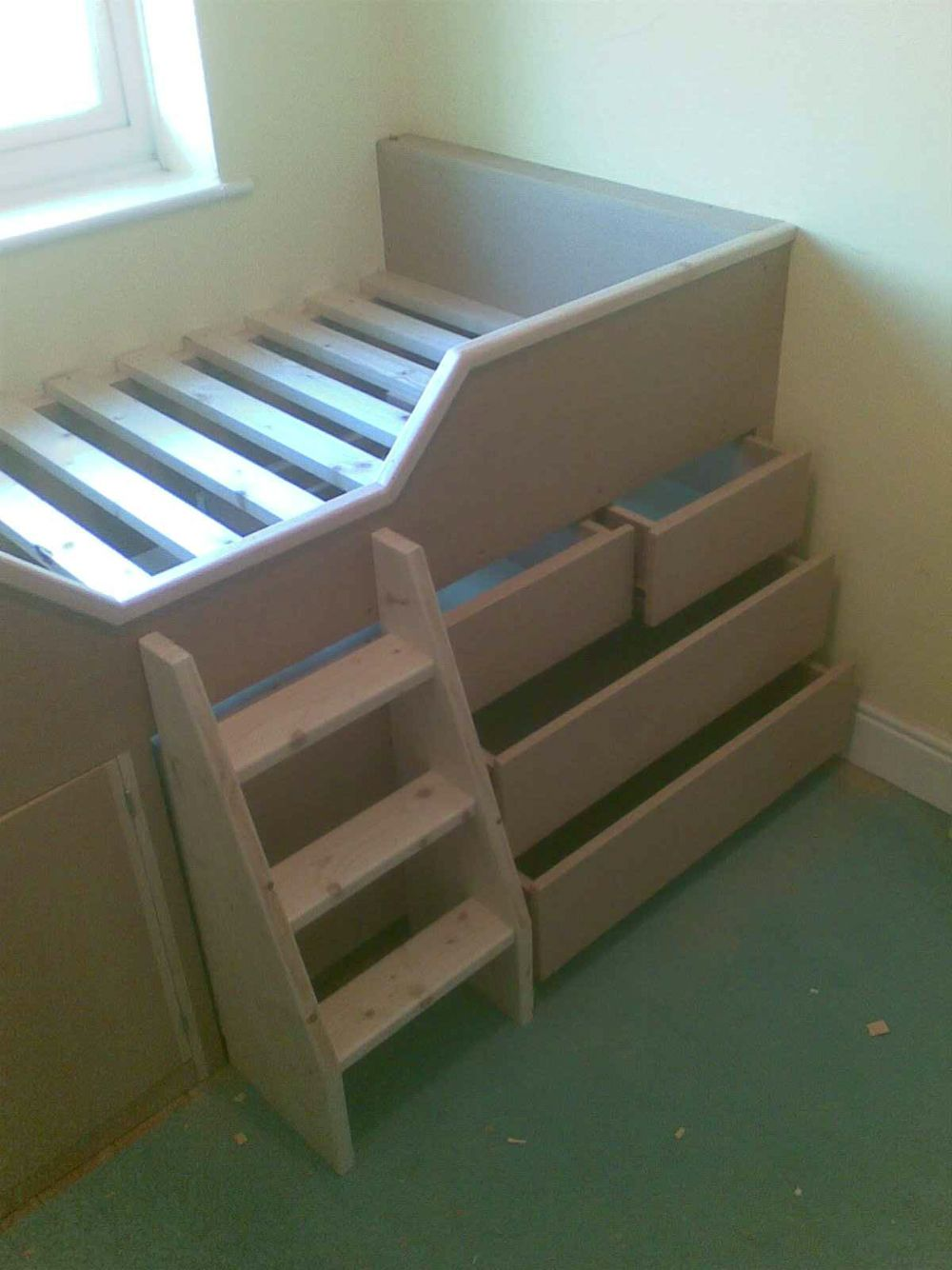 Pin by Carly Mills on Toddler cabin bed | Box room bedroom ...
