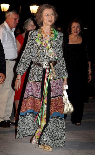 Reina Sofia Vestidos Buscar Con Google Reina Doña Sofia Reina Sofia Doña Sofía
