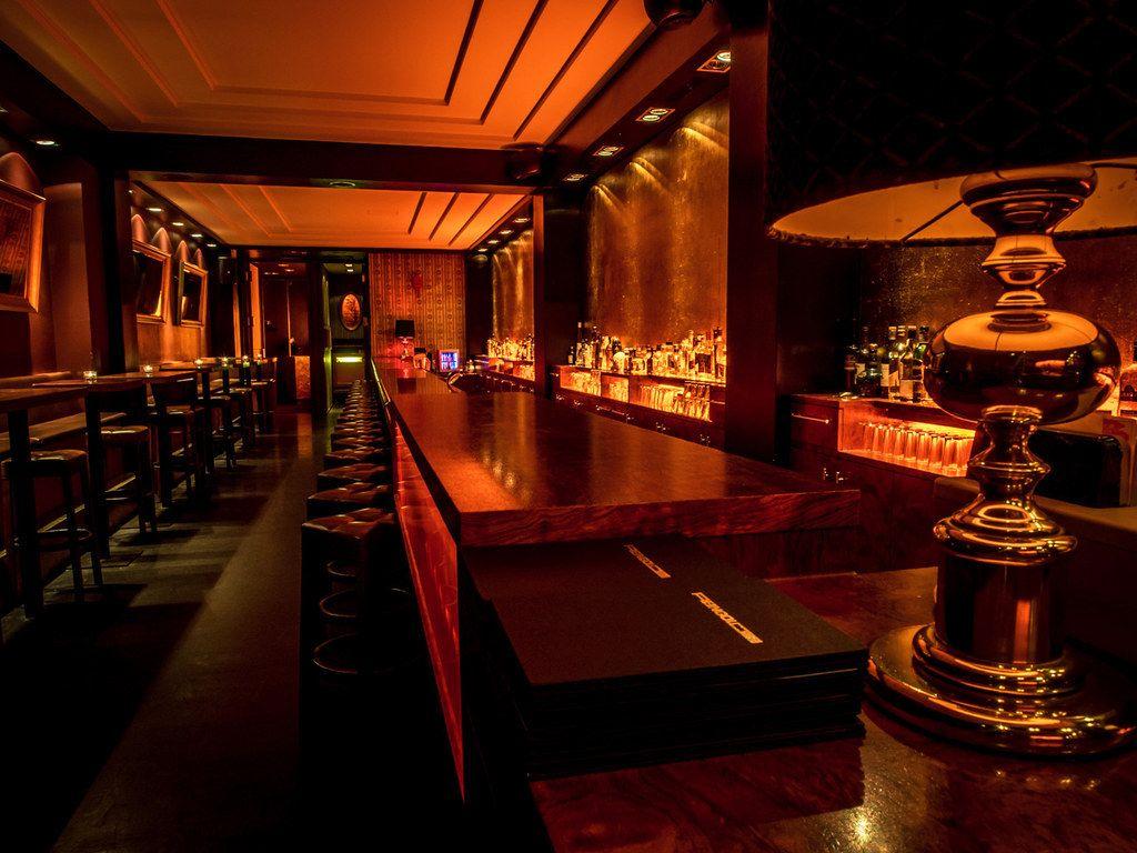 17 Incredible Underground Bars In Berlin Underground Bar Dark Restaurant Speakeasy Bar