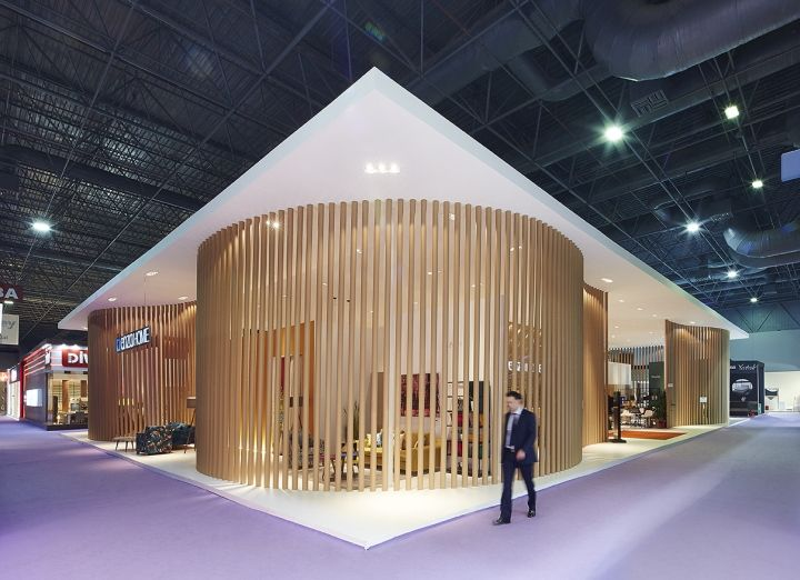 Yata grup enza home stand by yerce architecture at ismob 2015 fair istanbul turkey retail for Conception stand de foire