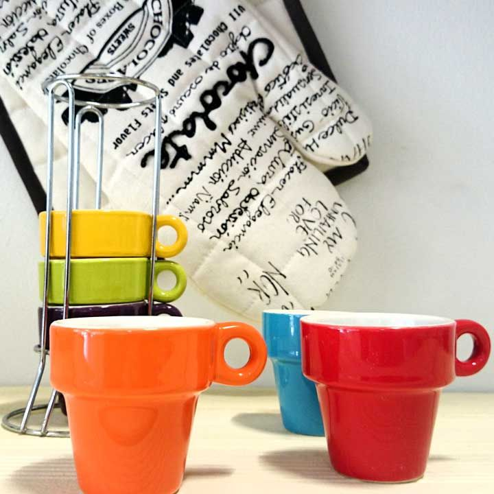 #Goodmorning! Vamos a darle un poco de #color a la #mañana :) Encuentra este set de 6 tazas en www.differentshop.es/tazas-y-vasos/103-set-6-tazas-con-soporte-torre.html