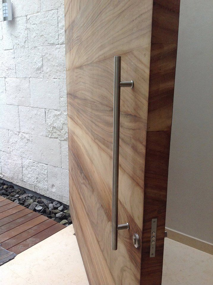 We Love Big Door Handle Wide And Level Entrance Big Door Entrance In 2020 Big Doors Wood Doors Interior Exterior Doors