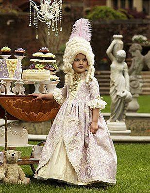 Marie Antoinette Halloween costume  sc 1 st  Pinterest & Marie Antoinette Halloween costume | Halloween FUN | Pinterest | Eat ...