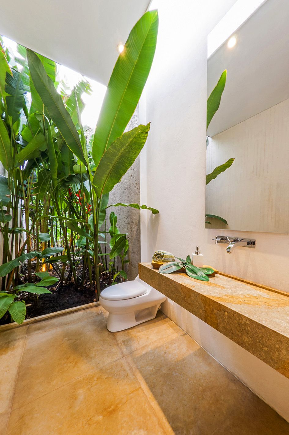 Architecture, Beautify The Room In The Home Garden Dihiasai With Various  Ornamental Plants Open Space