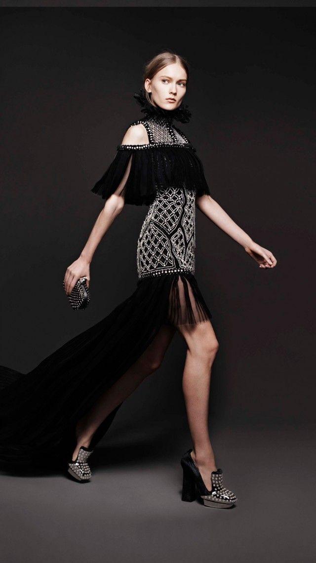 a62769ece4cf Alexander McQueen Women s Fall Winter 2013   Fashion   Pinterest ...