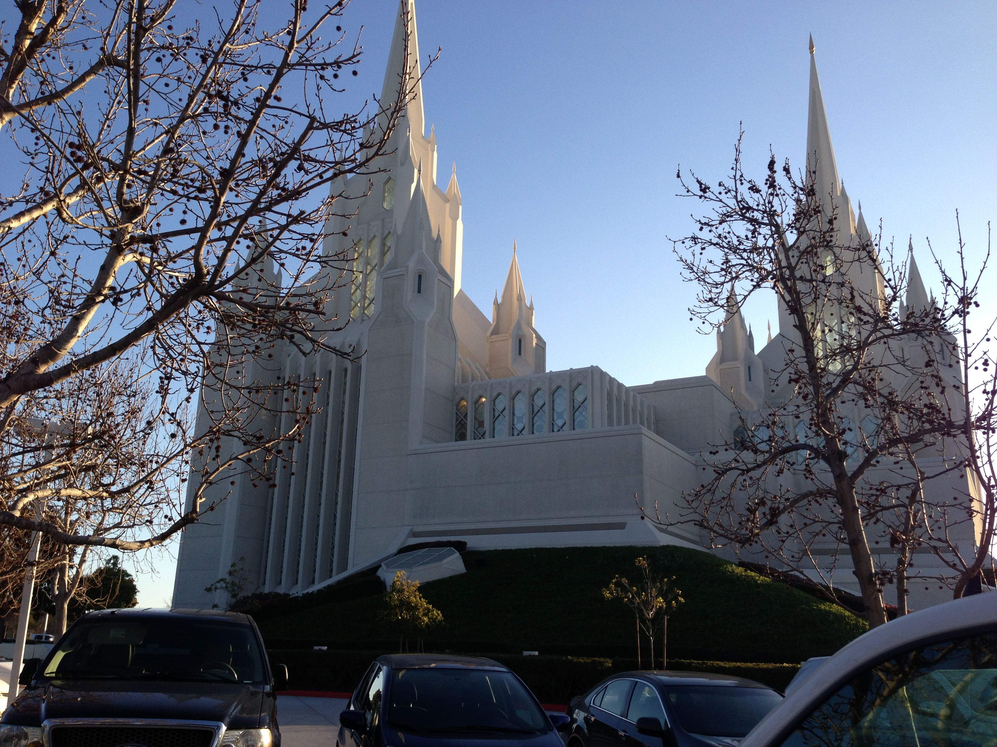Always go to the temple. Always have the temples in sight. The San Diego temple