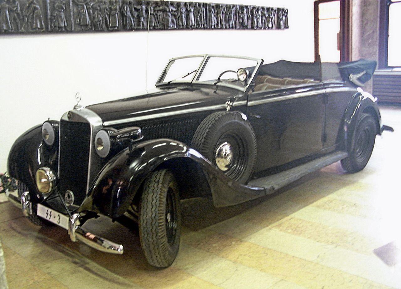 War History Online Mercedes de Reinhard Heydrich - encontrado en un garaje, cuidadosamente restaurado, luego se venden en subastas