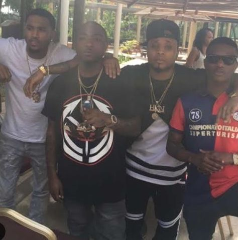 Trey Songz hangs out with Wizkid, Davido, others (photos) - http://www.thelivefeeds.com/trey-songz-hangs-out-with-wizkid-davido-others-photos/