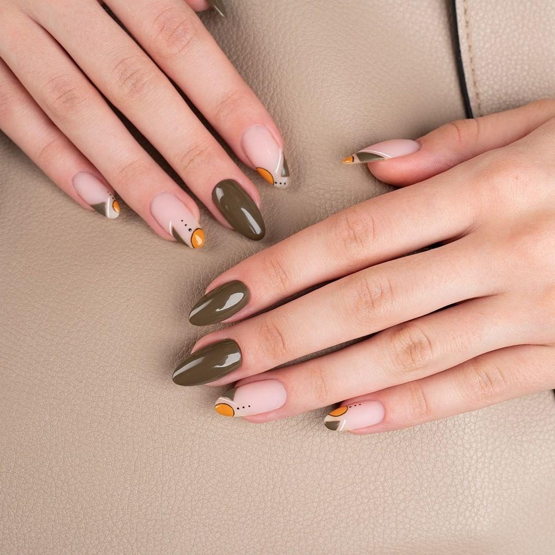 Mat + gloss, autumn green + abstract decorations and all based on ..., #* #absolutindigo #artebrillante #dirtydiana #indigo #indigonails #lakieryhybrydowe #manicure #mineralbase #nailart #nailsinspiration #nailsoftheday #porcelain #supermatte
