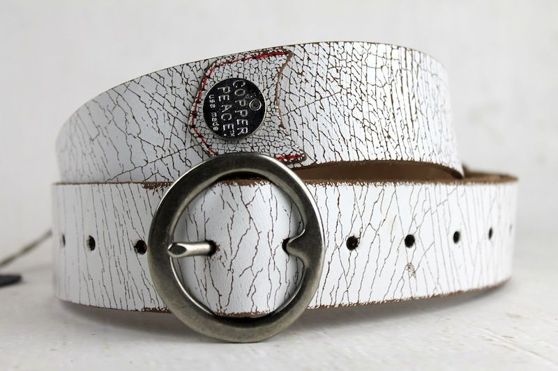 Copperpeace White Weathered Leather Guitar Strap 54 At Www Guitarbox Co Uk Leather Guitar Straps Guitar Strap Leather