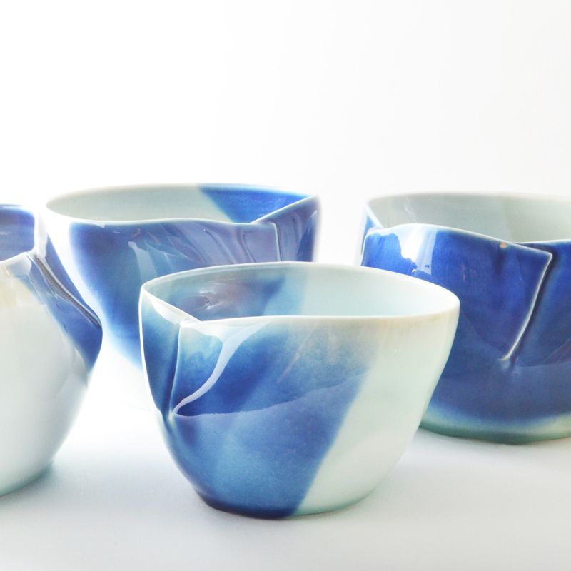 porcelain dart bowls. studio joo.blue on white Ouah