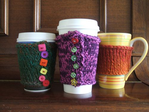George: a Basic Coffee Cup Cosy Pattern | Tejido