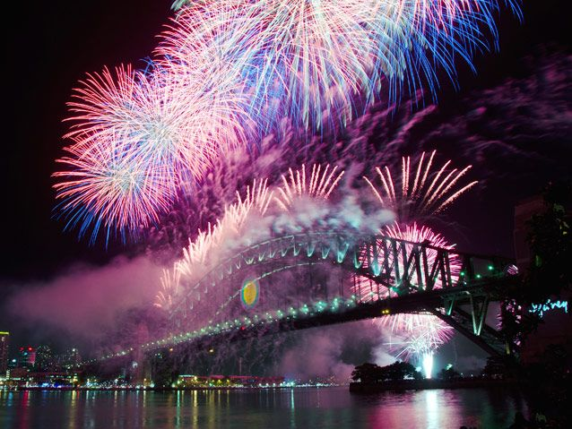 Renowned For One Of The Best Fireworks Display In The World The Famous Harbour Of Lights Parade At Sydney Harbour Lights Up On New Year S Eve