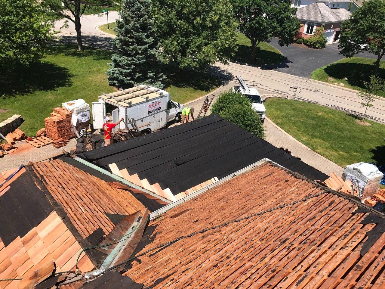 Best Cedar Roofing Installation Cedar Roof Roofing Roofing 400 x 300