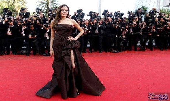 """أنجيلينا جولي في أجمل اطلالاتها على السجادة…: تعتبر """"أنجيلينا جولي"""" Angelina Jolie واحدة من أشهر النجمات في العالم، كما أنها وزوجها السابق…"""