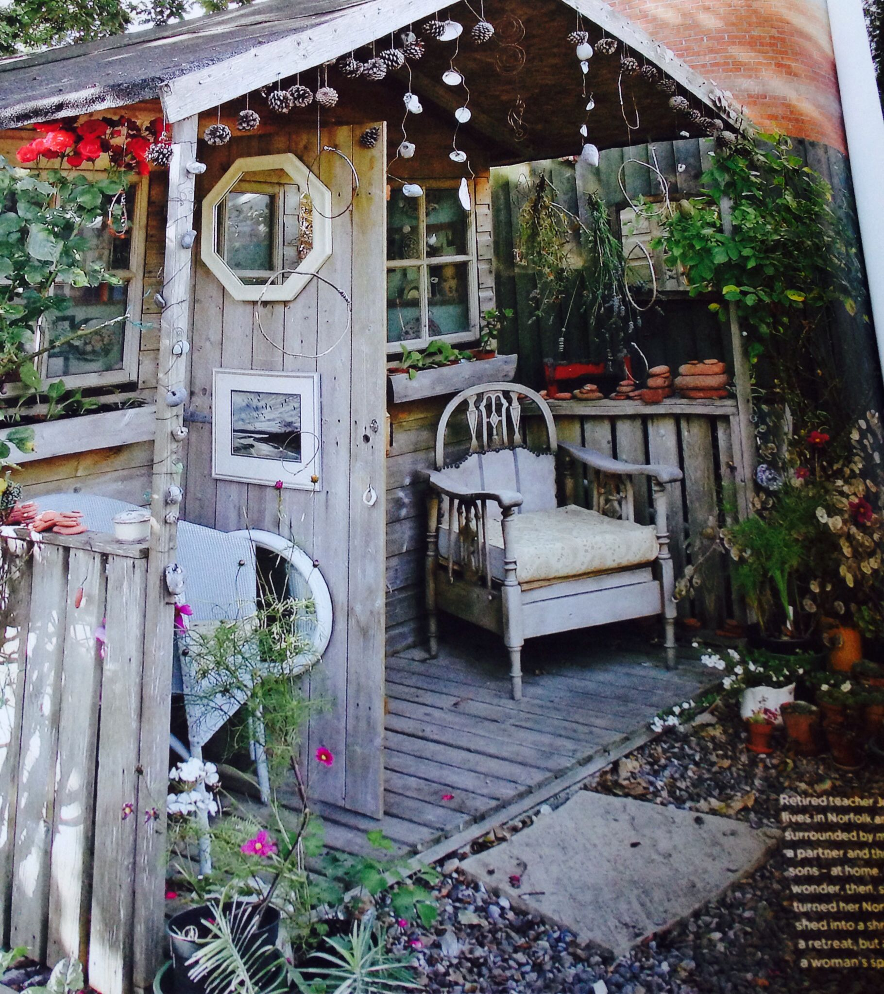 Dreaming of a little shed of my own from 39 the simple things 39 june issue small budget gardening - My little jardin ...