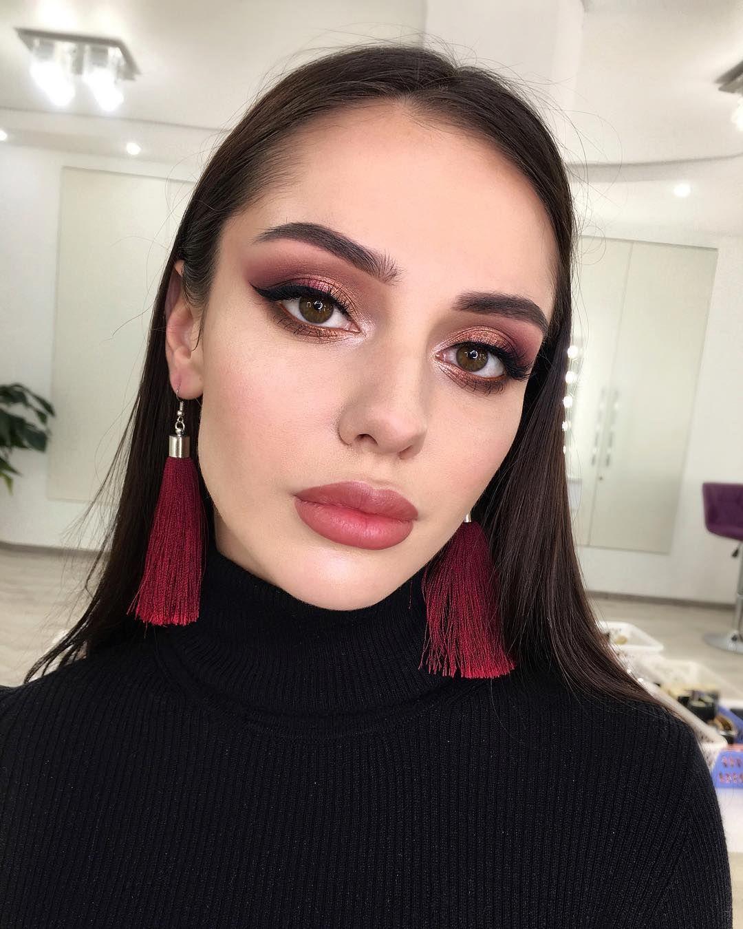 """Визажист 💜 Школа Макияжа Киев auf Instagram: """"Сегодня был #beautymakeup ❤️думаю, вы смотрели сторис😉а еще засняла весь процесс создания этого макияжа🎞 Монтировать видео-урок⁉️ …"""""""