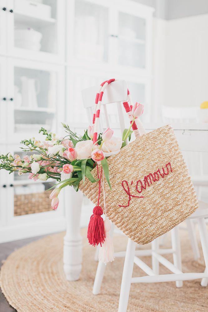Craftberry Bush   Valentine's Day Straw Tote DIY   http://www.craftberrybush.com