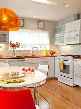 Colorful Mid Century Modern Residence apres-guerre-cuisine