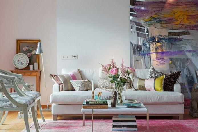 Modern feminine living room.