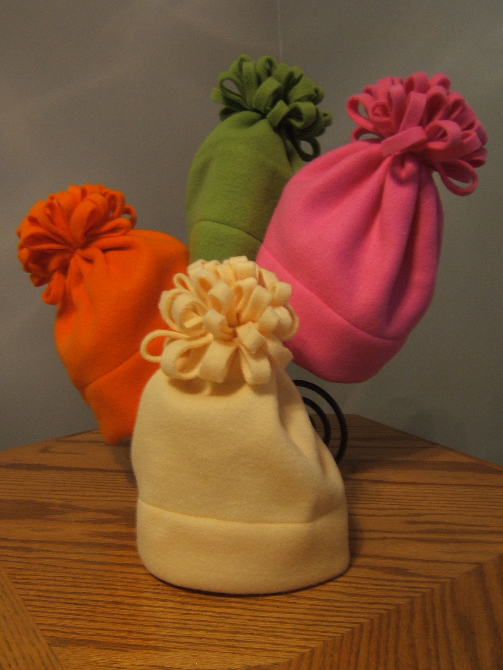 bbdfc697dd9 Good Morning All. Here are my pics of my easy fleece hats. To make these hats  is very simple. All you need is at least 1 2 yard of fleece to complete.