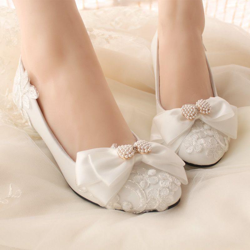 2015 Autumn And Winter Women Retro Harajuku Style Sweet White Lace Bow Diamond Pearl Bridal Shoes Bridesmaid Flat