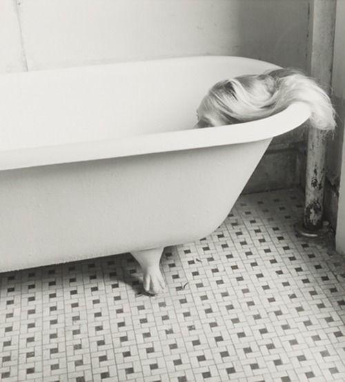 blue-voids:  Francesca Woodman - New York, 1979/80