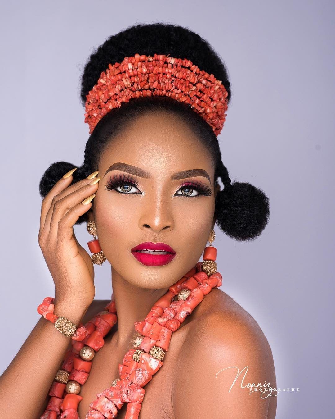 Ever Heard Of The Traditional Ngala Hairstyle Igbo Brides Get In Here Bellanaija Weddings Traditional Hairstyle Bride Hairstyles Wedding Hairstyles