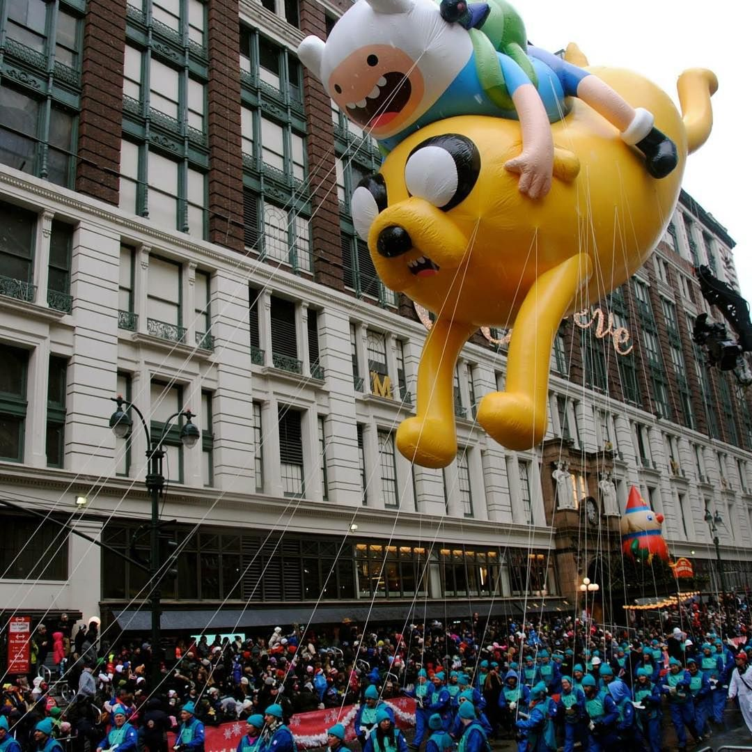 The Definitive Guide To Seeing Those Thanksgiving Day Parade Balloons Without Actually In 2020 Thanksgiving Day Parade Macy S Thanksgiving Day Parade Thanksgiving Day