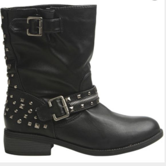 Studded Moto Boot Classic moto vegan leather body, mixed studs at the heel, pull on construction with buckle strap and a short, chunky heel.                                            Signs of being worn but the inner and outer soles are still in pretty much perfect condition.        Will NOT come in shoe box                                   Price is not negotiable                                             NO SWAPS NO TRADES NO PAYPAL Wet Seal Shoes Combat & Moto Boots