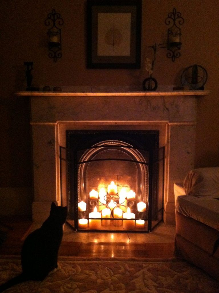 20 Simple Ways To Decorate A Fireplace Amp Mantle With