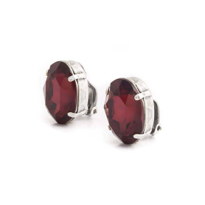 Krikor Rode oorclips met 18 x 14 mm ruby Swarovski Elements kristallen