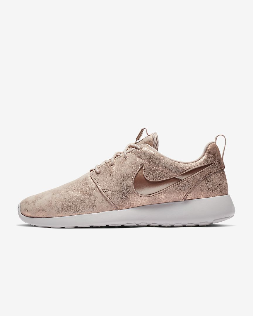 hot sale online 4f770 7a5fb Nike Roshe One Premium Women s Shoe