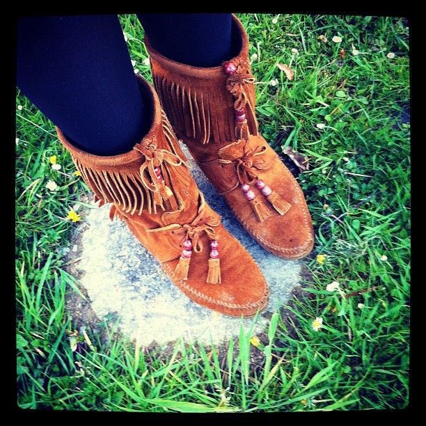 Spring has sprung in the Minnetonka Woodstock boot.