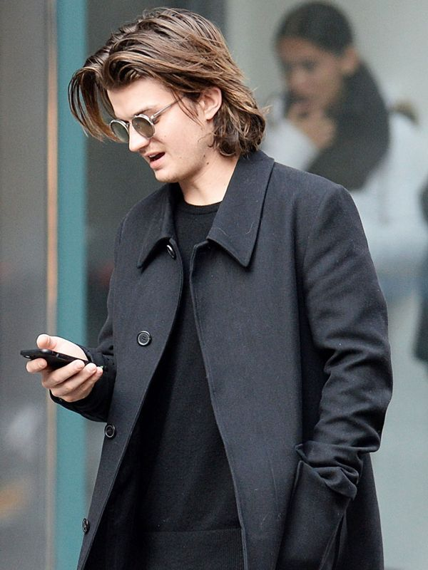 Stranger Things' Joe Keery and His Girlfriend Are Stylish ...