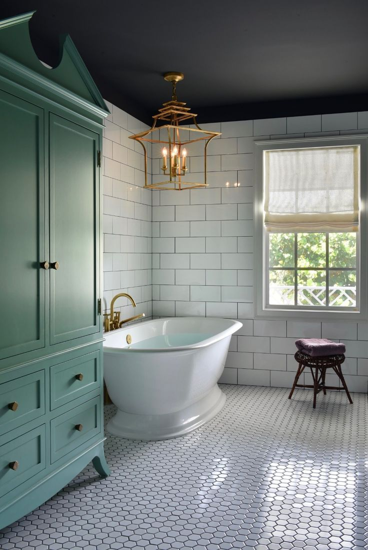 Beautiful, Luxurious Bathtub Ideas and Inspiration