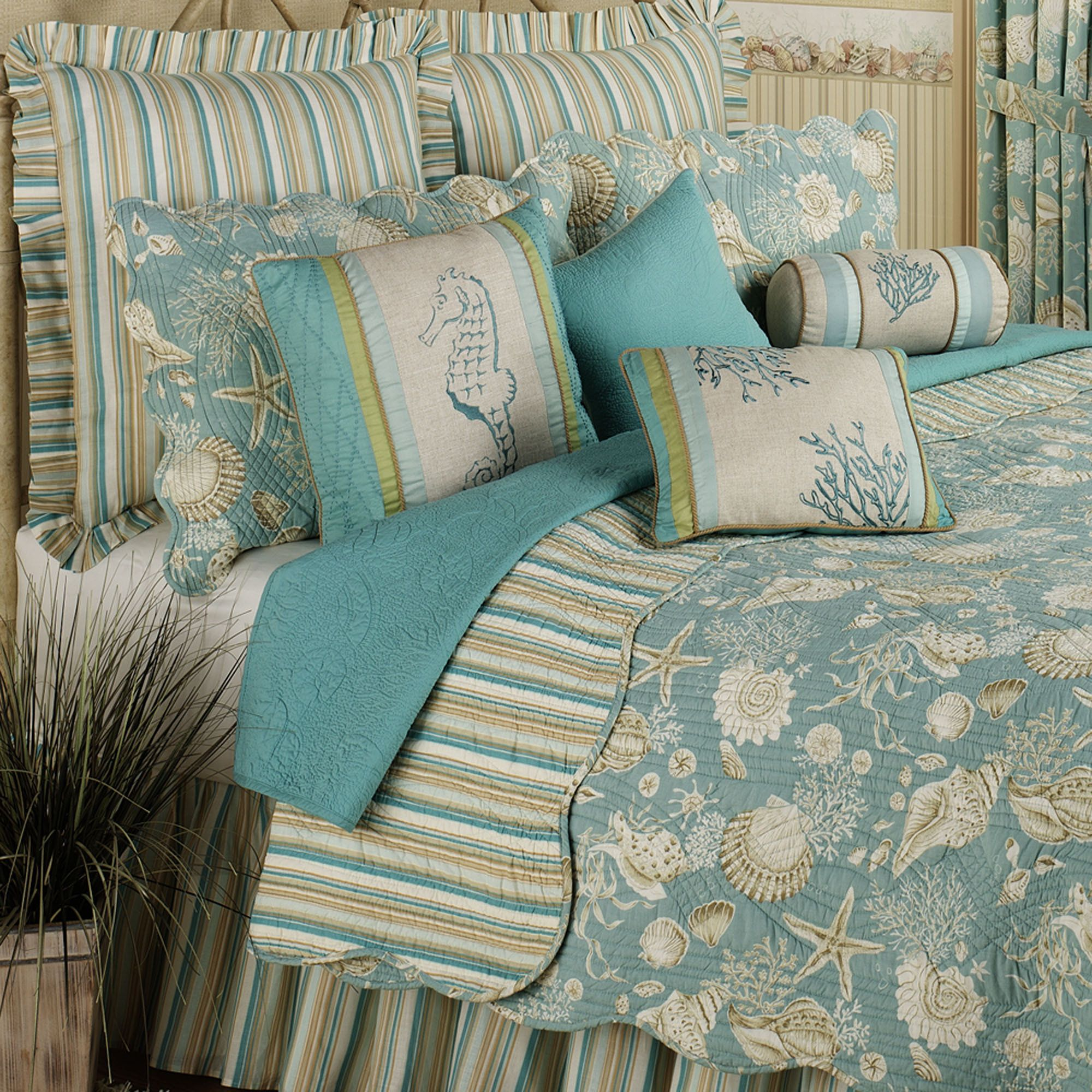 Natural Shells Coastal Quilt Bedding For The Home