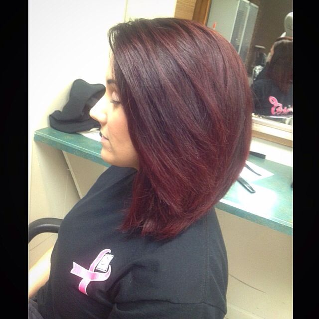 Dark to bright red short ombré