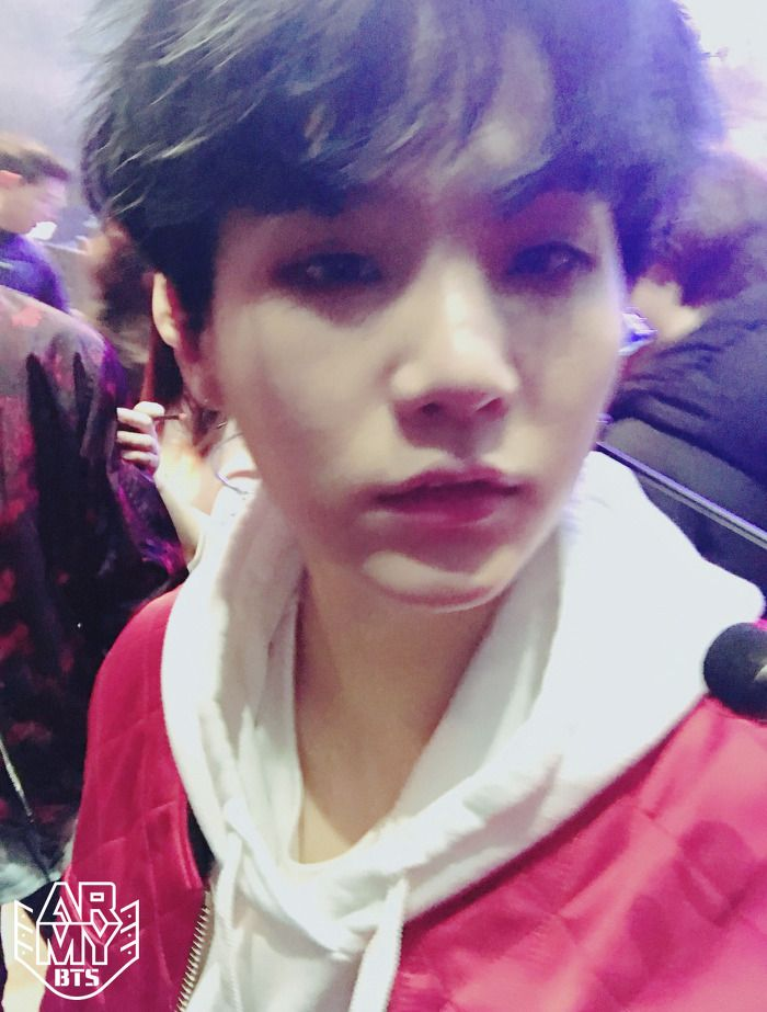 Blurry yoongi :p<<<< this picture is so beautiful!!! Omg!! Like how! How is he still a beautiful creation of God in a blurry photo!? I look like something inhumane when I take a blurry picture of myself! But here Yoongi is looking like a total angel! I dont get it!