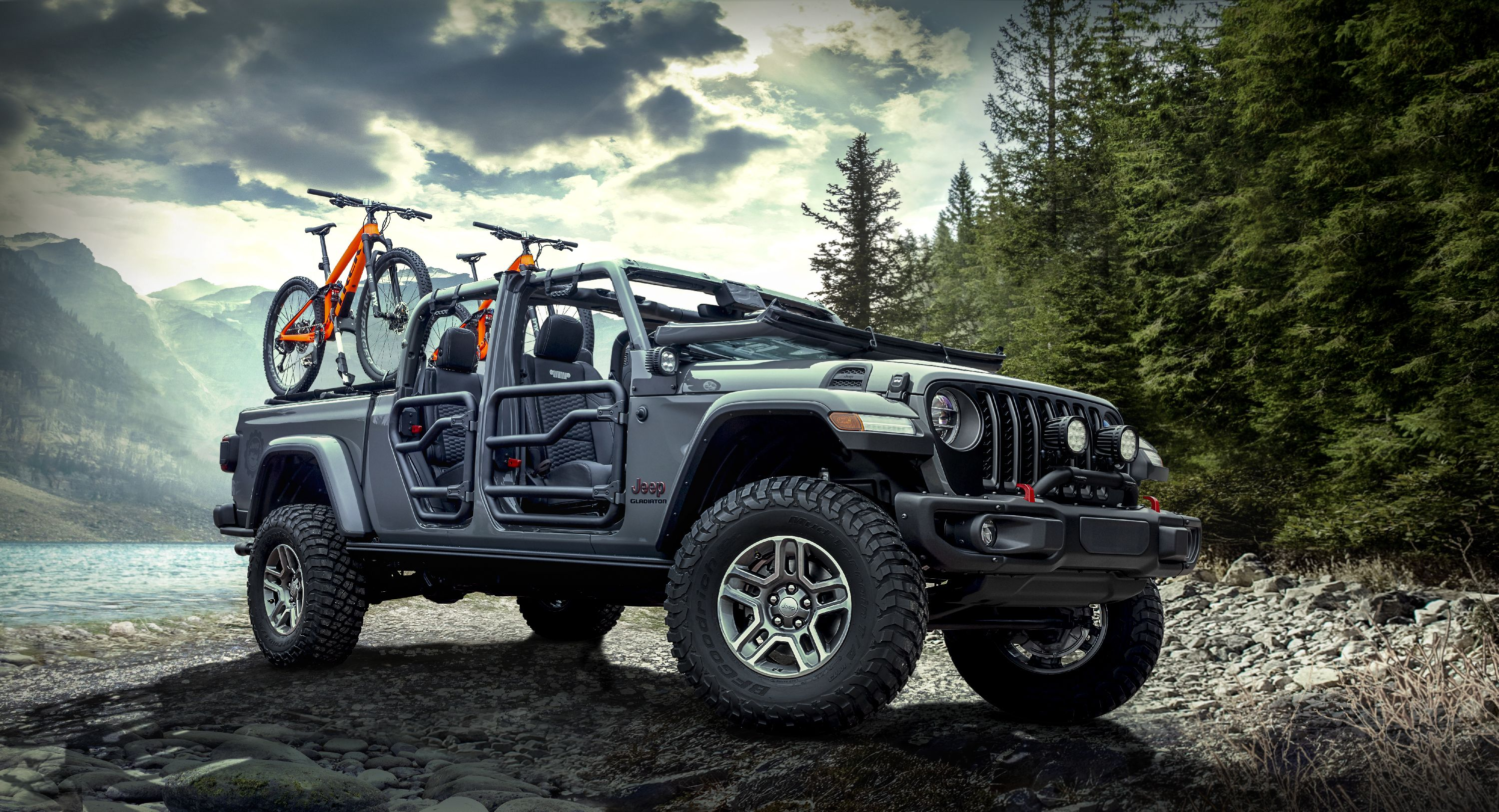 The 2020 Jeep Gladiator Parades New Upgrades From Mopar In L A Top Speed Jeep Gladiator Mopar Jeep Jeep Pickup
