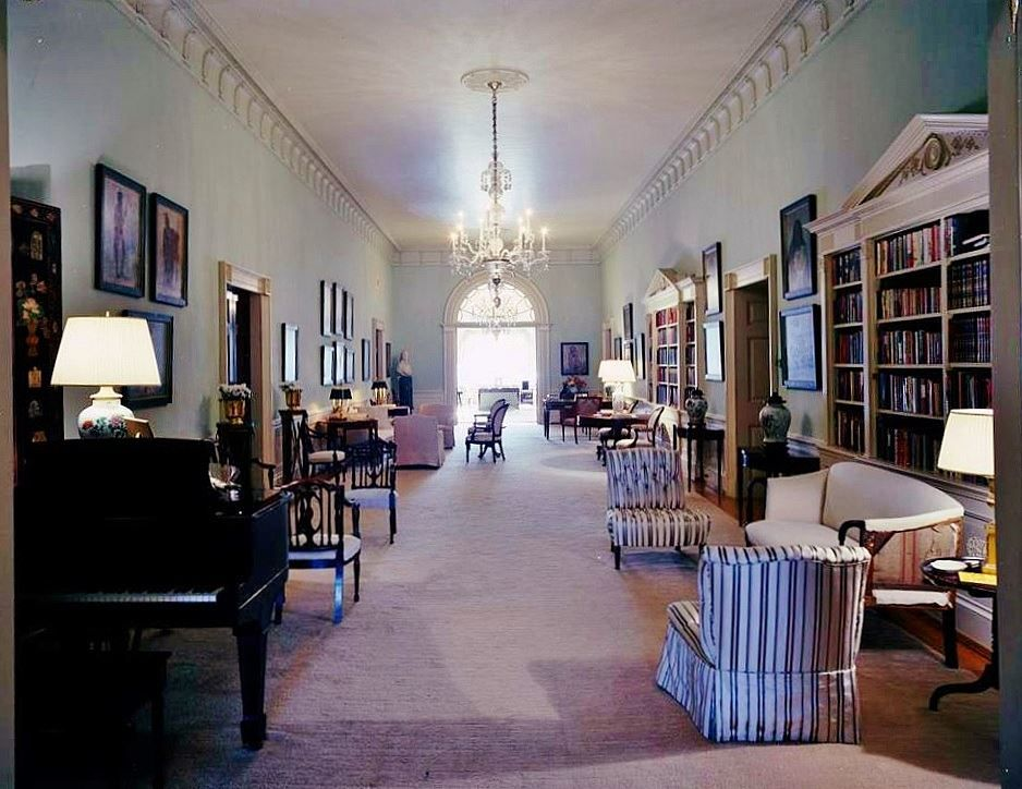 Pin By Brandon Wolf On Jack Jackie White House Tour White House Washington Dc White House Rooms
