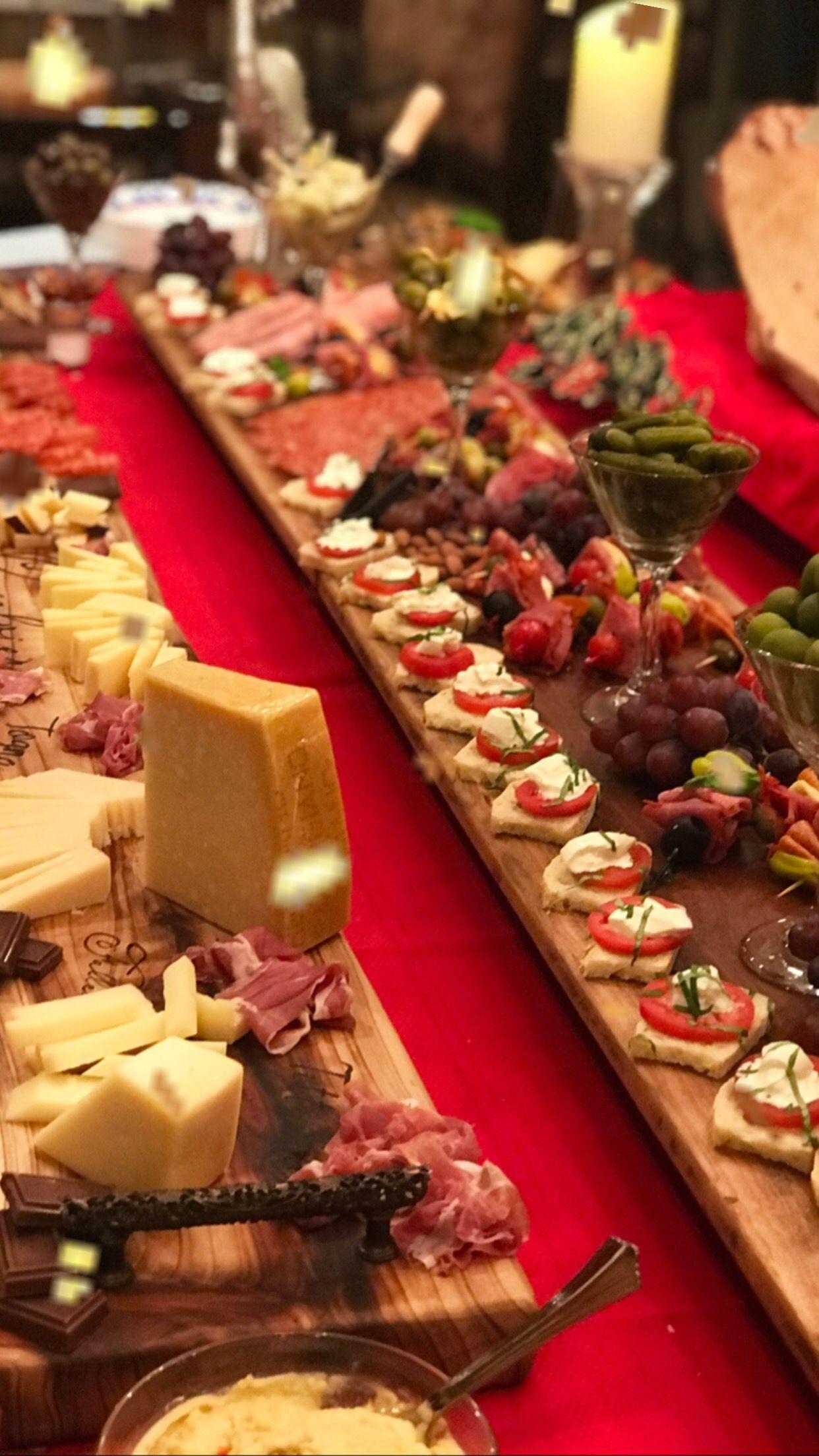 Geppetta Boards Handmade Wooden Charcuterie And Cheese Boards Geppetta Wedding Buffet Food Charcuterie And Cheese Board Buffet Food