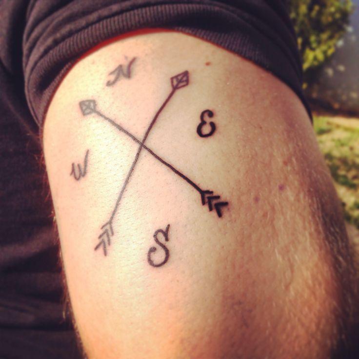 Brujula Tumblr Buscar Con Google Tatuajes Flechas Cruzadas