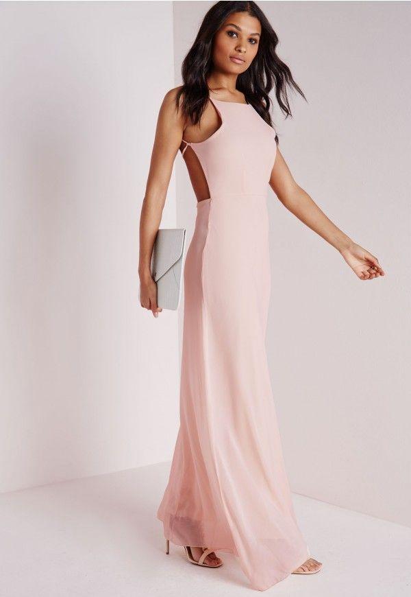 d50144c40cd Rien de plus chic qu une robe longue légère en été. Ce modèle nude ...