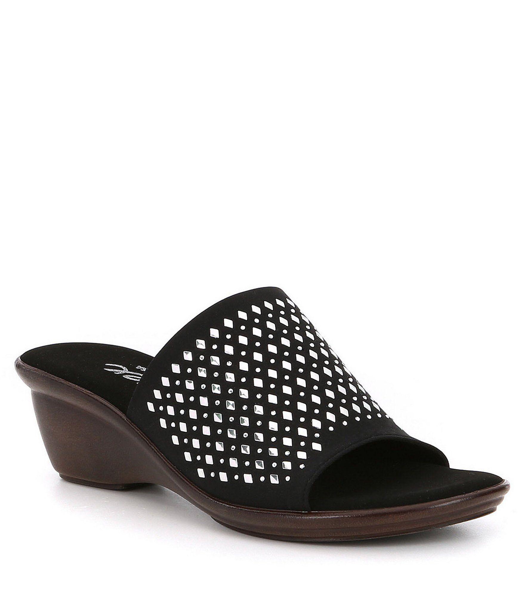 Izzy Rhinestone Studded Detail Leather Slip-On Sandals sWsGVp4Uh