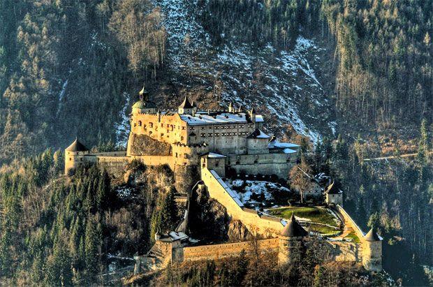Хоэнверфен, Австрия